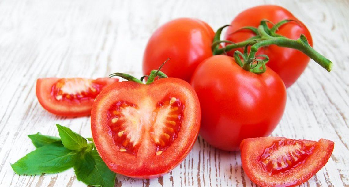 תפסיקו לקנות עגבניות. כך תוכלו לגדל בעצמכם עגבניות בדלי קטן אצלכם בבית!