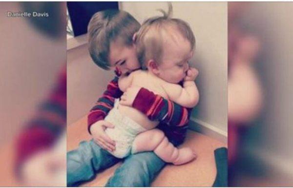 אחותו התינוקת הייתה חולה – מה שהוא עשה כדי לנחם אותה הפך אותו למפורסם בכל העולם