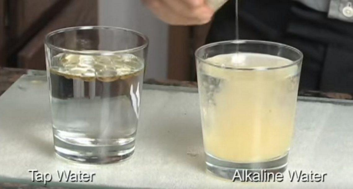 מים אלקליים מחסלים תאים סרטניים – כך תכינו אותם בבית