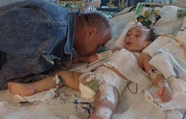 """""""להתראות מתוקה"""": אבא שבור לב נפרד מבתו הקטנה בנשיקה אחת אחרונה"""