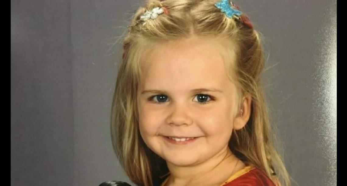 אבא אמר לאישתו שהוא נתן לבתם בת ה 3 לבחור בגדים לתמונת המחזור, אז היא ראתה את התוצאה הסופית