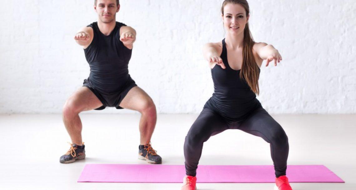 רק 10 דקות ביום! 12 תרגילים קלים ביותר לחיטוב הרגליים והישבן