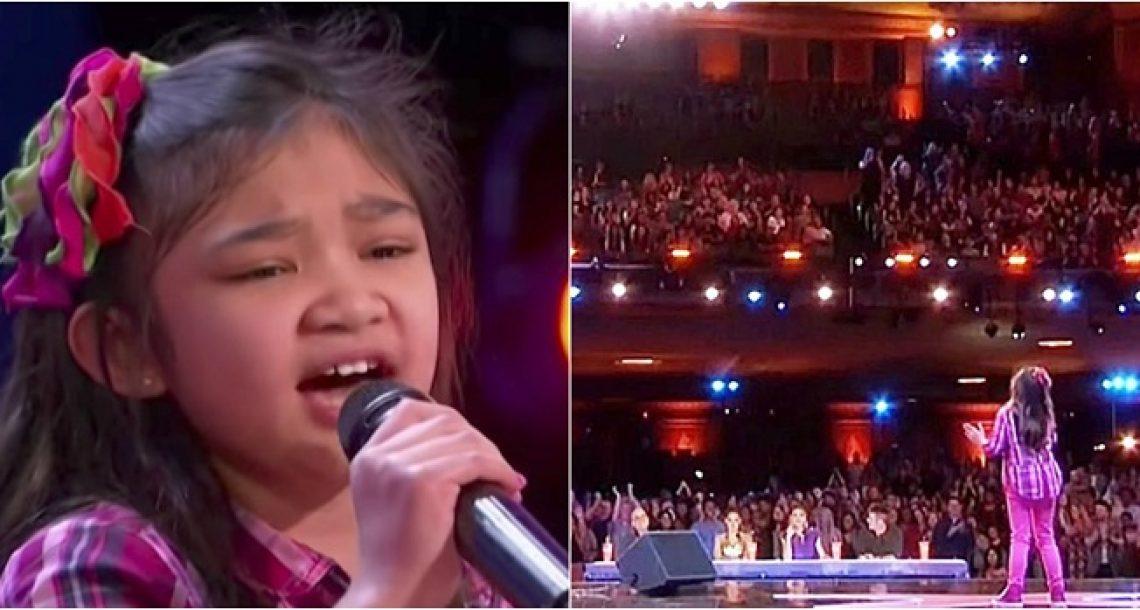 ילדה קטנטונת טענה שהיא יכולה לשיר כמו וויטני יוסטון. שניות אחר כך הלסתות של כולם נפלו לרצפה!