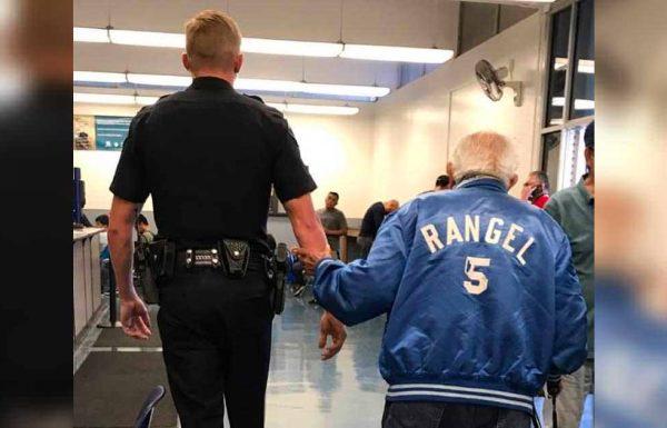 הצוות זרק החוצה אדם בן 92 עצבני, אך אז המשטרה לקחה אותו בחזרה לסיים את המשימה