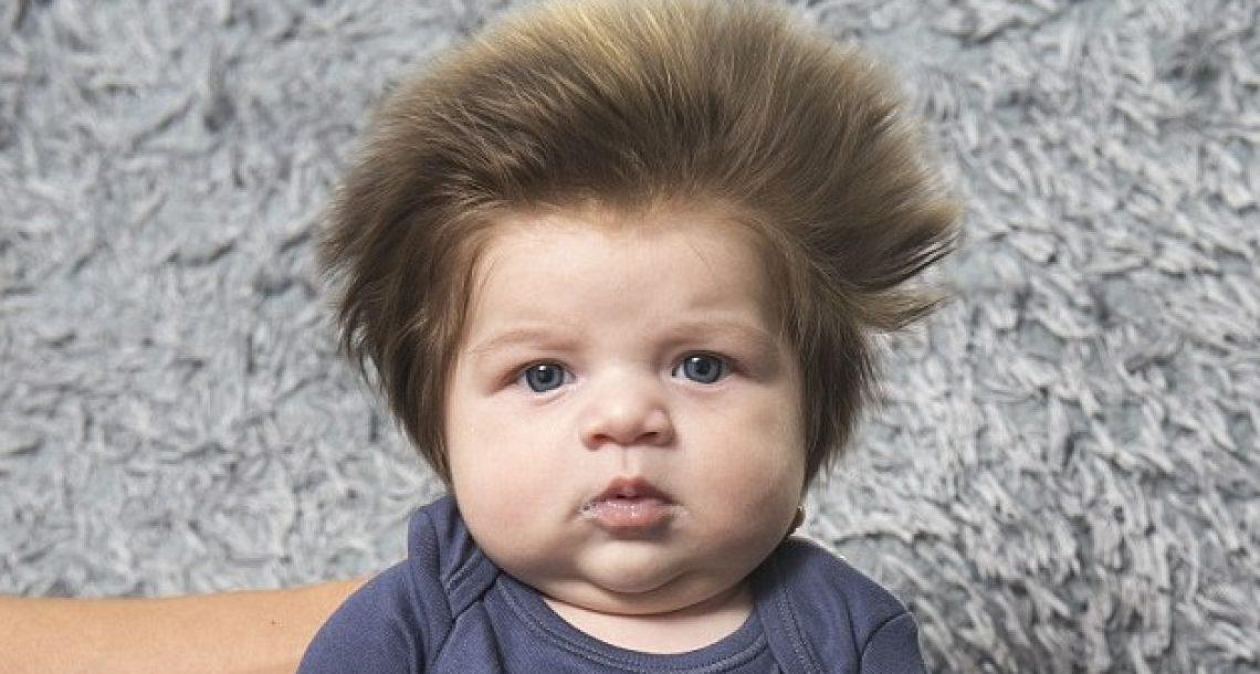 הכירו את ג'וניור, תינוק בן חודשיים עם השיער הכי מדליק שתראו