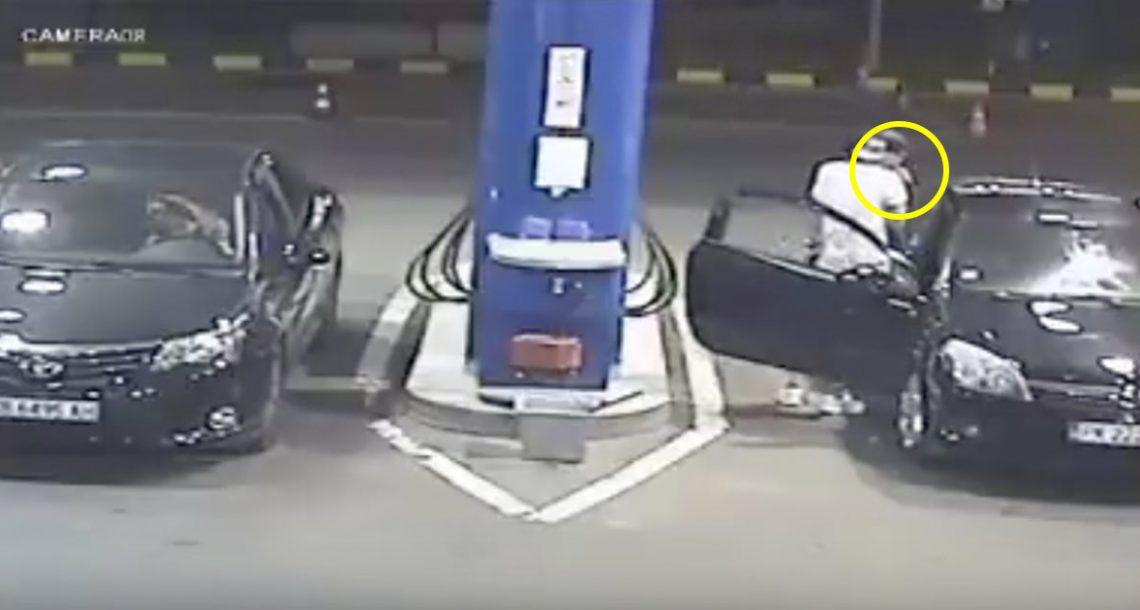 אידיוט סירב לכבות סיגריה דולקת בתחנת דלק – אך אז הוא קיבל מנת קארמה שהוא בחיים לא ישכח