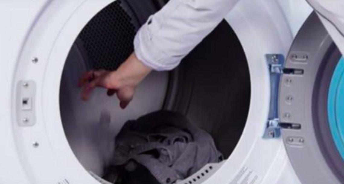 העלימו את הקמטים מהבגדים שלכם בעזרת הטריק הקליל והגאוני הזה!