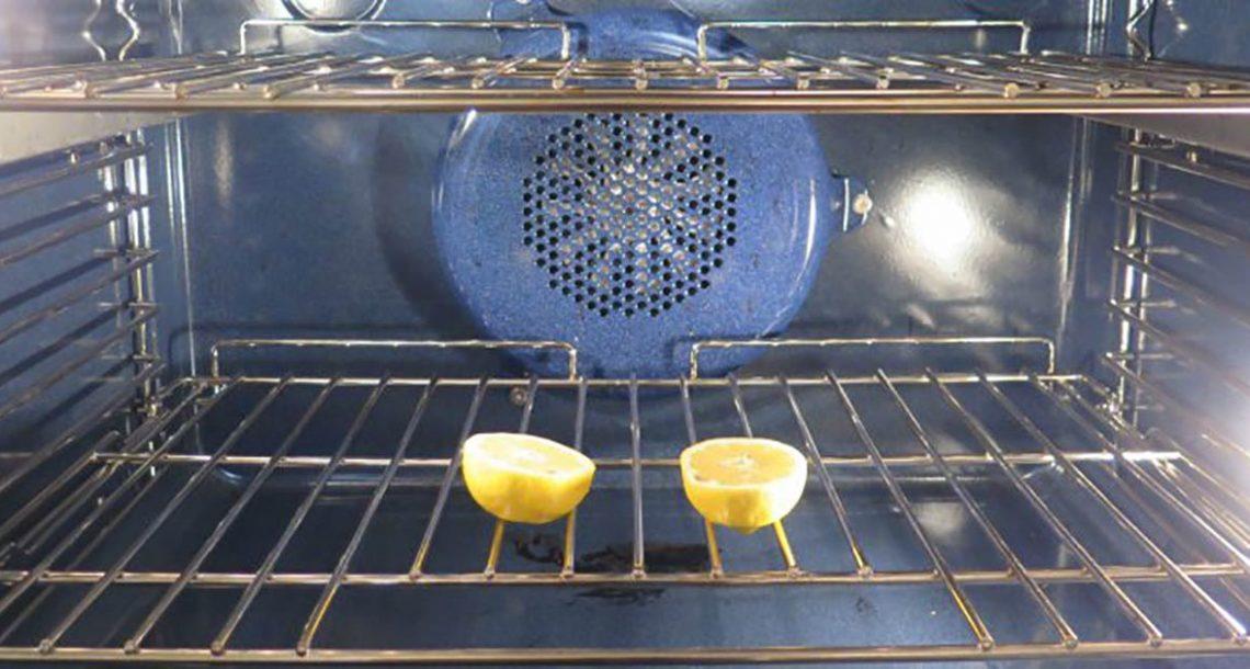 למה אתם תמיד צריכים לשים שני חצאי לימון בתנור – הסיבה גאונית