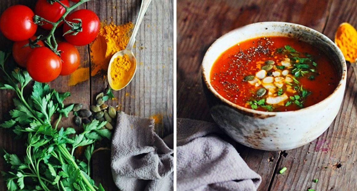 מרק עגבניות, כורכום ופלפל שחור נלחם בסרטן ודלקות. לוקח רק 15 דקות להכין!