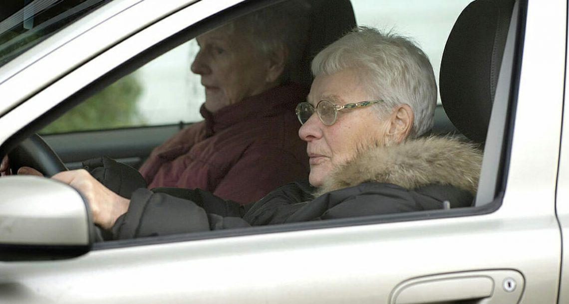 מחקר חדש קובע: נשים נוהגות טוב יותר מגברים