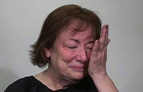 אישה נרגשת אמרה שהתגרשה אחרי 44 שנות נישואים, נראית צעירה ב 20 שנה אחרי מייק אובר מהסרטים