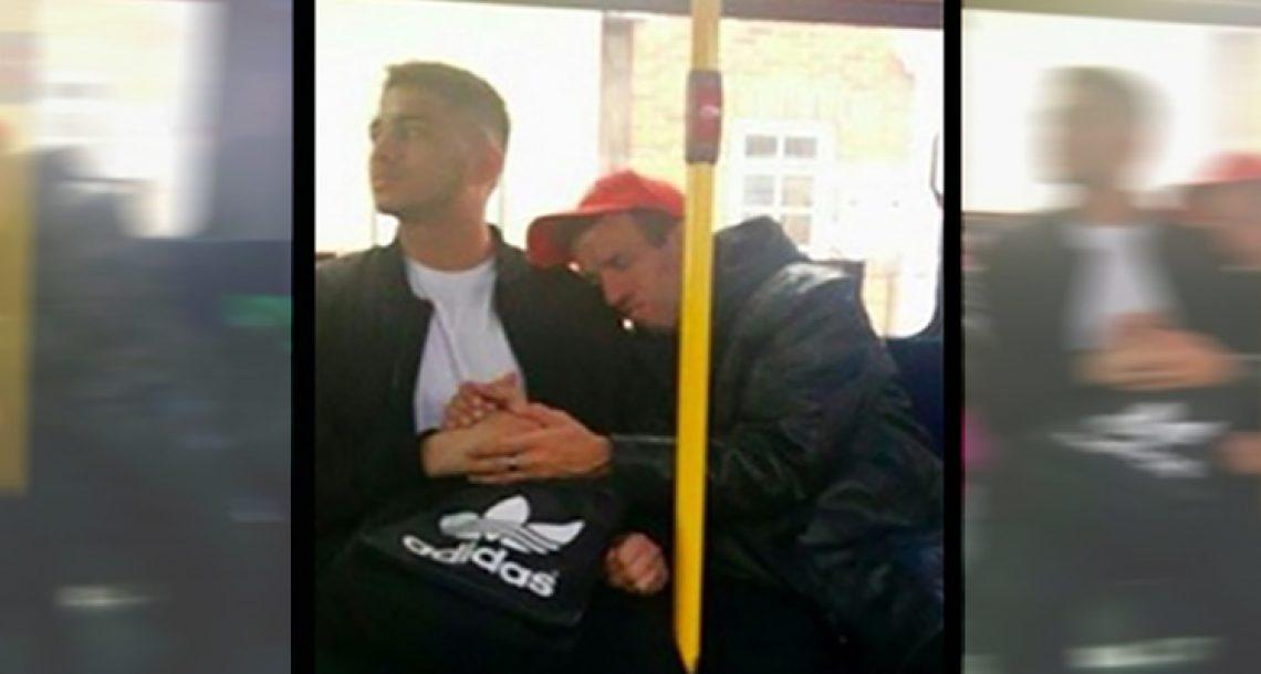 הוא הרגיש נבוך כאשר אדם זר החזיק לו את היד. אבל כשהבין מדוע, הוא לא עזב אותה לרגע