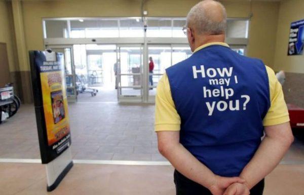 איש זקן מצא עבודה ברשת קמעונאית גדולה – שעתיים לאחר מכן הוא פוטר בגלל סיבה הזויה בהחלט