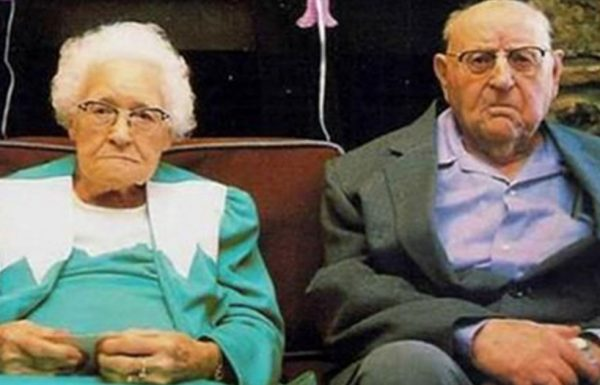 זוג זקנים נתפסו עושים אהבה בטבע – ההסבר שלהם הפיל אותי לרצפה