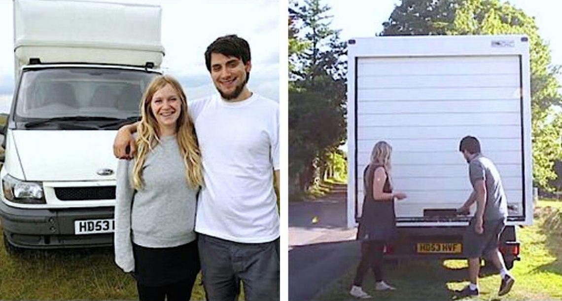 בני זוג מכרו הכל ועברו לגור במשאית – עכשיו שימו לב כשהם מרימים את הדלת וחושפים את הבית