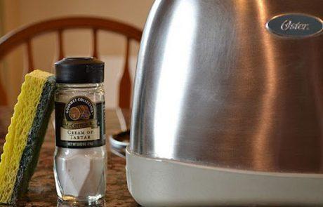10 טריקים גאוניים ופשוטים לניקוי המטבח שיהפכו את החיים שלכם לקלים יותר