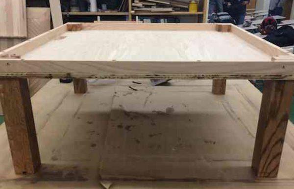 נער בן 15 בנה שולחן שהדהים מומחי DIY בכל העולם – כשתראו אותו אתם תבינו מדוע