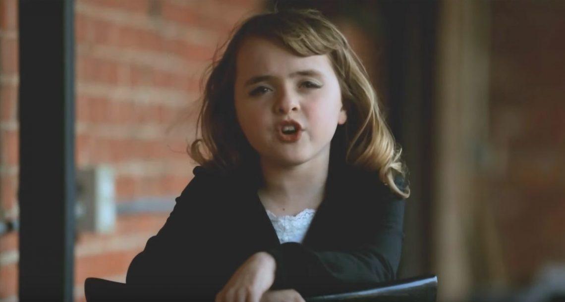 ילדה בת 10 ביצעה קאבר ללהיט ענק של אדל, וזה אחד הביצועים הכי טובים אי פעם!