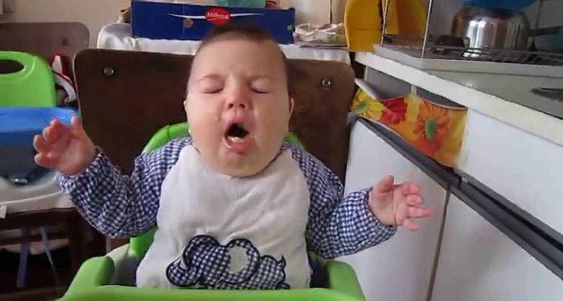 הנה הדרך הכי פשוטה ואפקטיבית להציל תינוק שנחנק