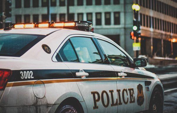 """הוא עבר עם המכונית ברמזור אדום, אבל משפט אחד גאוני חילץ אותו מדו""""ח של השוטר"""