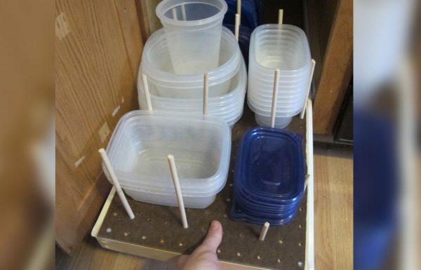 7 דרכים מעולות שמעולם לא חשבתם עליהן לאחסון כלי פלסטיק. הרעיונות האלה מעולים!