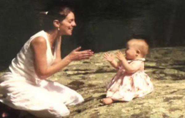 תינוקת מאומצת סירבה לתת לאמא שלה לגעת בה – 5 שנים אחר כך, האמת הכתה בהם חזק
