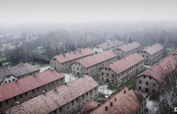 רחפן טס מעל מחנה ההשמדה אושוויץ – מה שהוא תיעד עשה לנו צמרמורת בכל הגוף