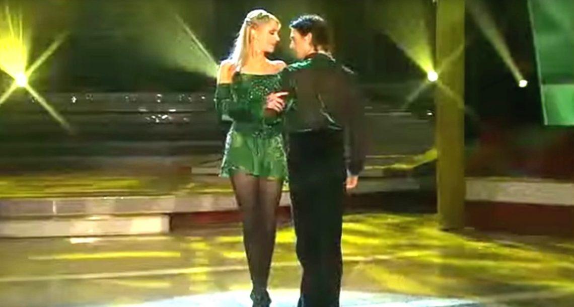 הם מתחילים שני רקדנים אירים על הבמה. אבל כשהמתופפים מצטרפים? הלסת שלי נפלה לרצפה!