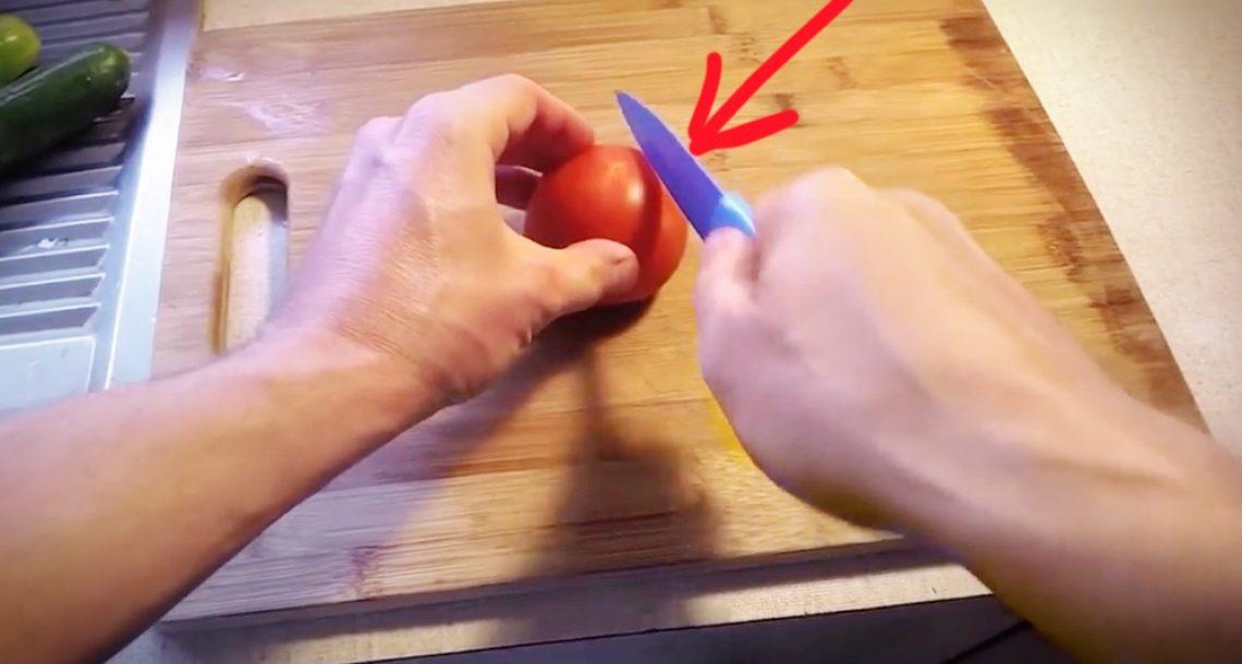 הסכין שלו לא הייתה חדה מספיק כדי לחתוך עגבנייה. מה שהוא עשה אחר כך זה פשוט גאוני