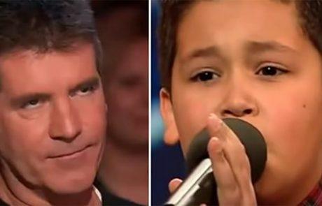 סיימון קאוול הכעוס לעג לילד בן 12 – הילד הצעיר השתיק את כולם עם ביצוע בלתי נשכח