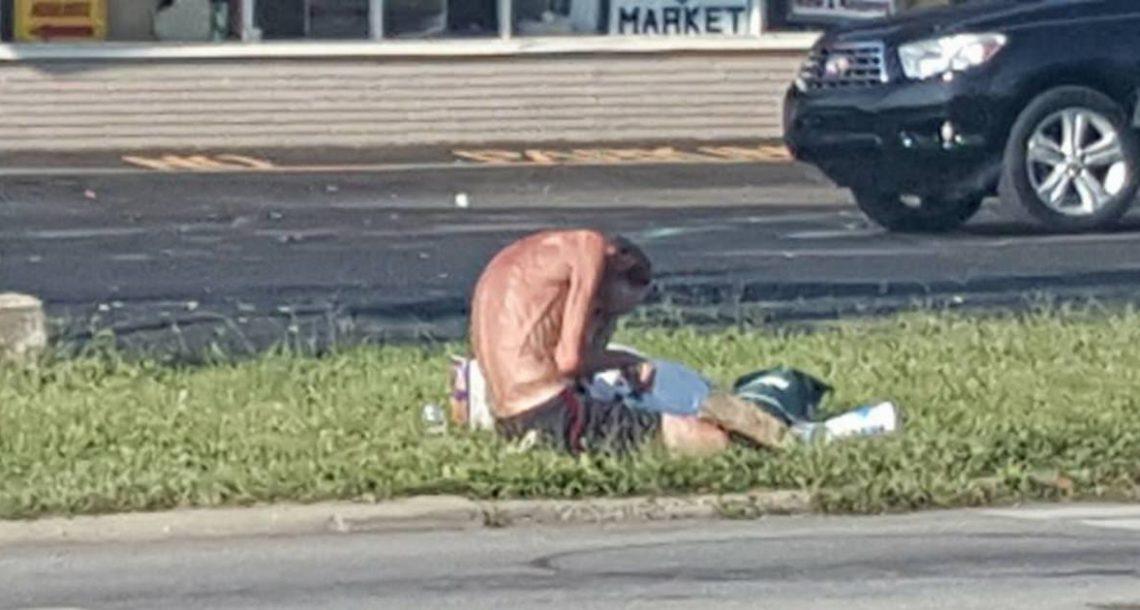 הוא צילם בסתר 'שלד' ברחוב – הסתכל מקרוב והבין שהוא חייב לשבור את כל העקרונות שלו
