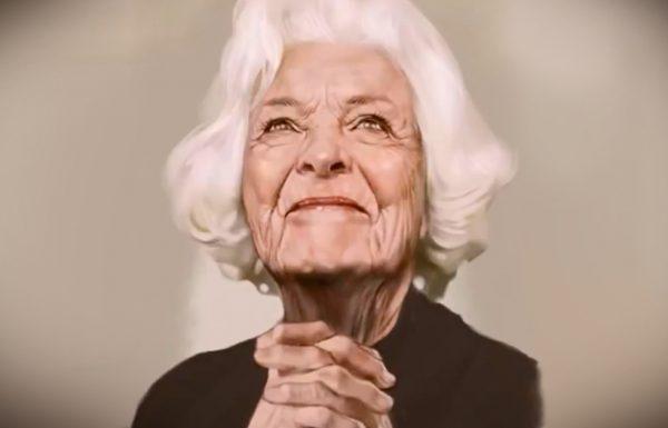 זו נראית כמו תמונה של אישה זקנה. אבל תסתכלו מקרוב…