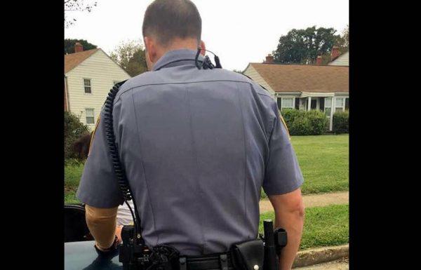 שוטר הורה לאישה לפתוח את תא המטען. לא היה לו מושג שהיא מתעדת הכל מאחורי הגב שלו