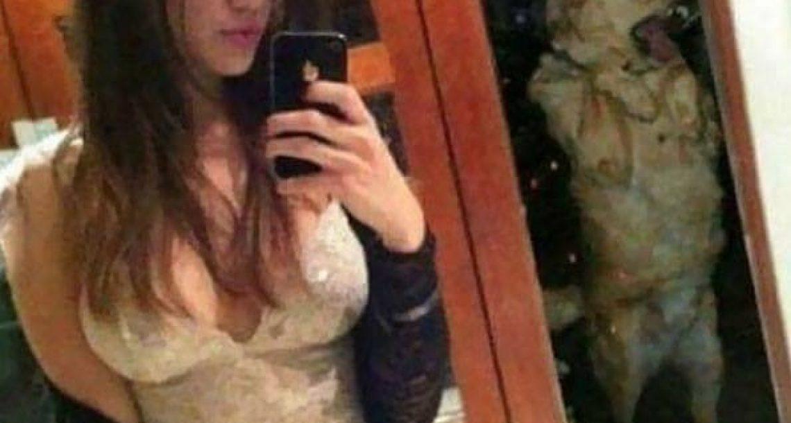 25 תמונות סלפי מחרידות של אנשים ששכחו לבדוק את הרקע