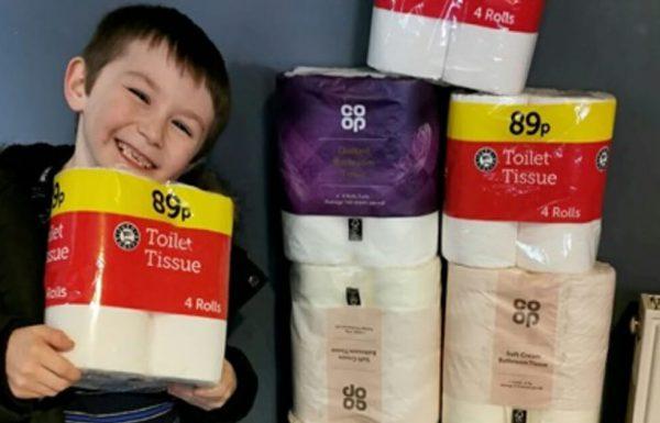ילד בן 7 השתמש בדמי הכיס שלו כדי לקנות נייר טואלט לקשישים שנמצאים בבידוד בגלל וירוס הקורונה