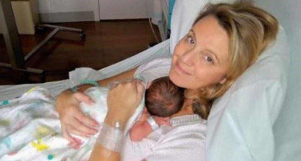 אמא נכנסה להריון אחרי 10 שנים של ניסיונות: 4 ימים אחר כך, הרופא התקשר בפניקה והודה בטעות הענקית
