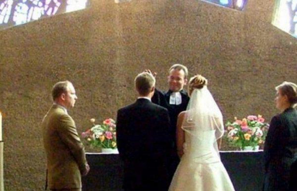 אישתו החדשה של אבא ניסתה להרוס את כל החתונה, אך לאמא של הכלה הייתה תכנית מושלמת לעצור אותה