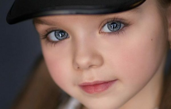 הם מכנים אותה הילדה הכי יפה בעולם – כשהמצלמה התקרבה לעיניים שלה, כולם השתגעו לגמרי!