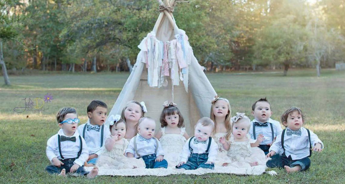 היא ביקשה מ 11 ילדים להסתדר לתמונה. מה שהיא תיעדה היה פשוט מדהים