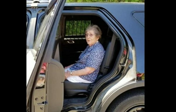 אישה בת 93 נעצרה ביום הולדתה – הסיבה השאירה את כולם בהלם